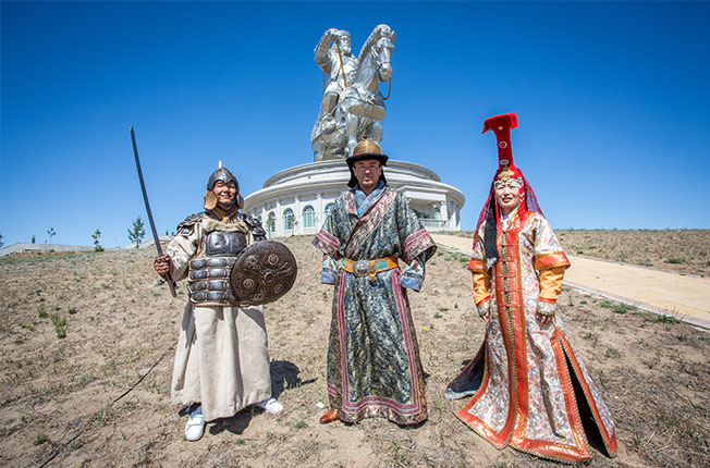 6E_FOLLOW THE TRAILS_Mongolia_Nomadic Culture